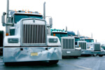 שורת משאיות סמיטריילר להובלה