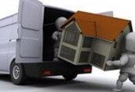 דמויות מובילות בית אל תוך משאית